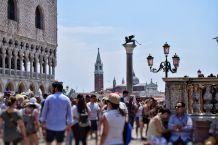 Piazza San Marco gremita di gente